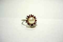 ad150_18k_wg_pearl_ruby_ring