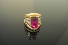 18k_two_tone_diamond_rubellite_ring