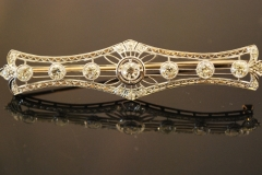 ad114_deco_diamond_pin