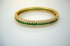 hammerman_18k_y.g._diamond_emerald_bangle_bracelet